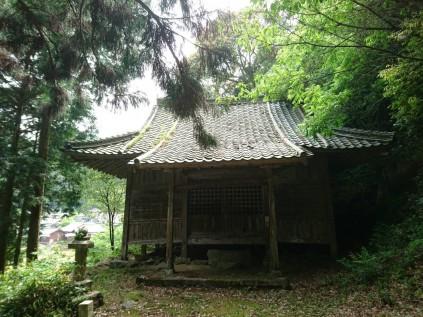 12033 新田神社 宇和町野田