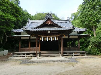 4124 亀山八幡神社 池内あゆみ